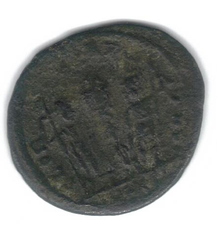 AE4 de Constante I. GLORIA EXERCITVS. Soldados entre 1 estandarte. Constantinopolis. Consta15