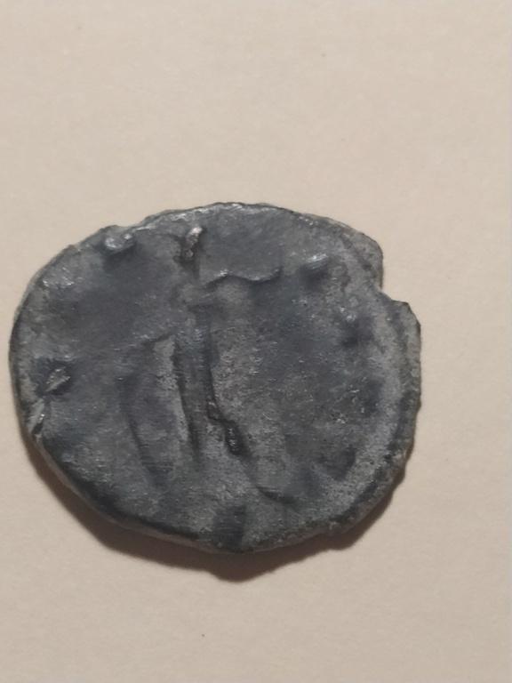 Antoniniano de Galieno. VIRTVS AVG. Valor a izq. Milán Img_2232