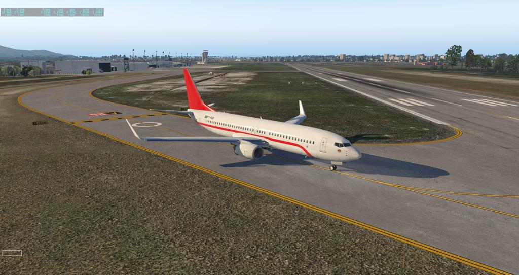 Primeiro voo e primeira pintura para o Zibo 737-800 B738_210