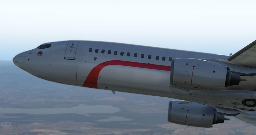 Primeiro voo e primeira pintura para o Zibo 737-800 B738_213
