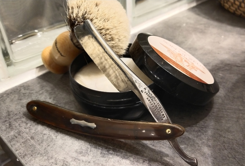 Shave of the Day / Rasage du jour - Page 40 Img_2155