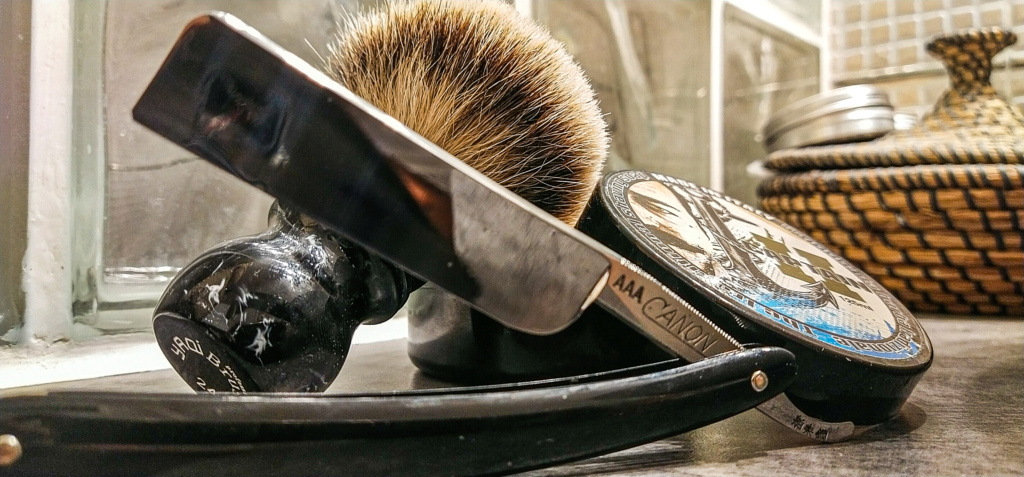 Shave of the Day / Rasage du jour - Page 29 Img_2539