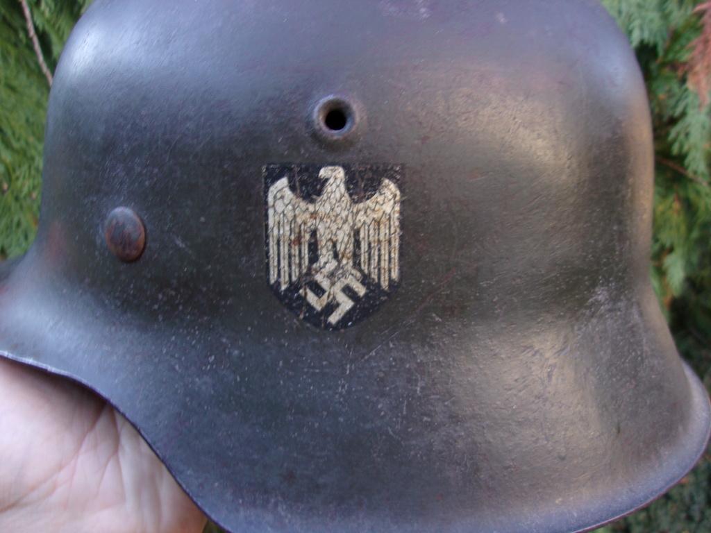 Casque allemand mod. 42 ET un insigne Heer pour authentification 103_3911