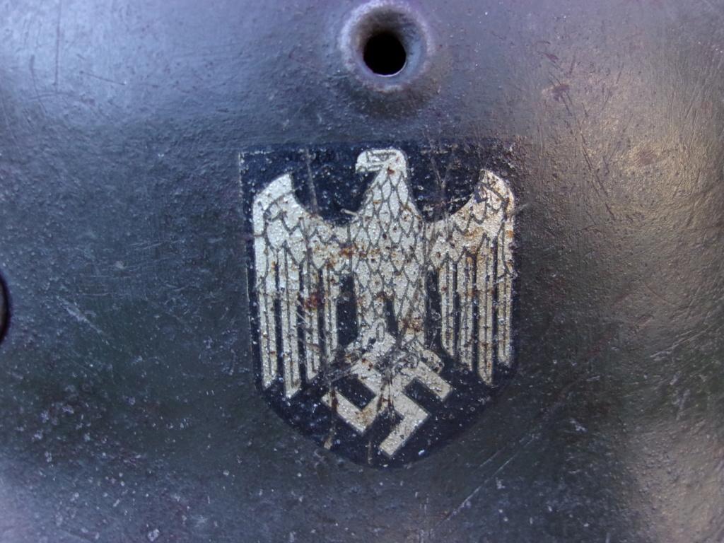 Casque allemand mod. 42 ET un insigne Heer pour authentification 103_3912