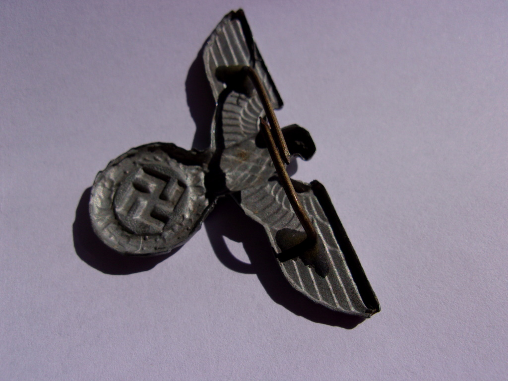 authentifiaction badge blessés ww2 noir + aigle de casquette III Reich 103_4013