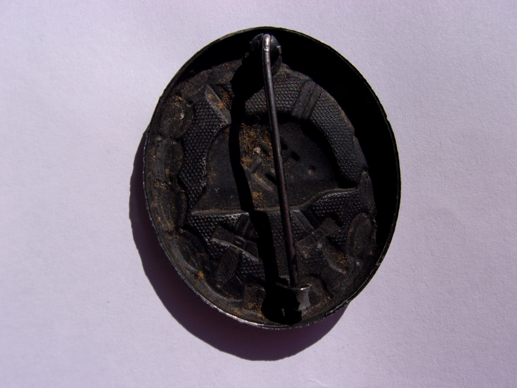authentifiaction badge blessés ww2 noir + aigle de casquette III Reich 103_4016