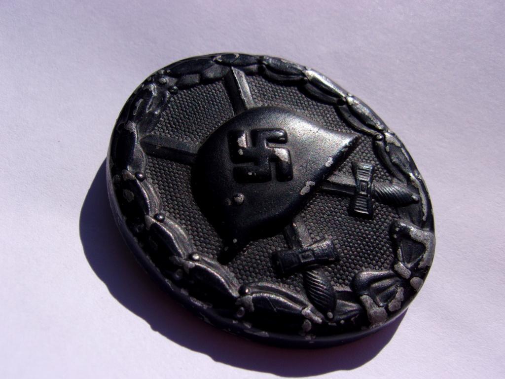 authentifiaction badge blessés ww2 noir + aigle de casquette III Reich 103_4017