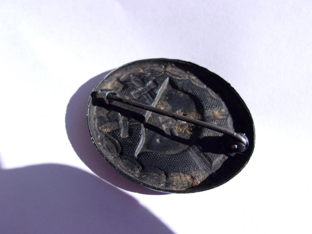 authentifiaction badge blessés ww2 noir + aigle de casquette III Reich 103_4018