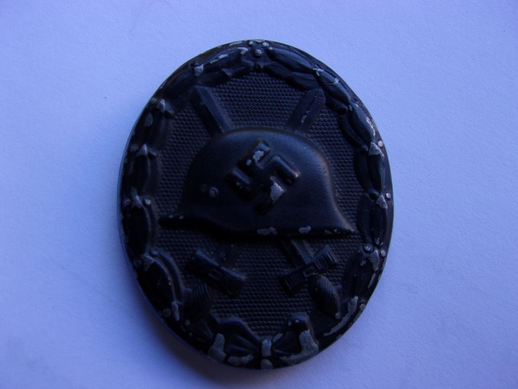 authentifiaction badge blessés ww2 noir + aigle de casquette III Reich 103_4019