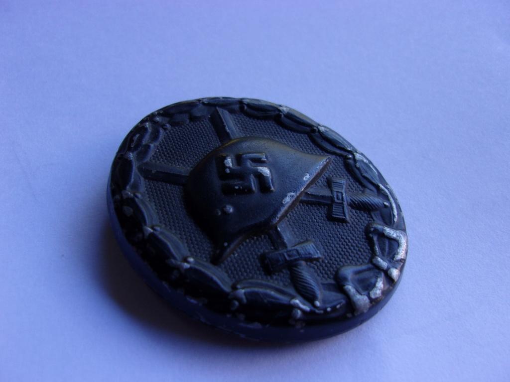 authentifiaction badge blessés ww2 noir + aigle de casquette III Reich 103_4020