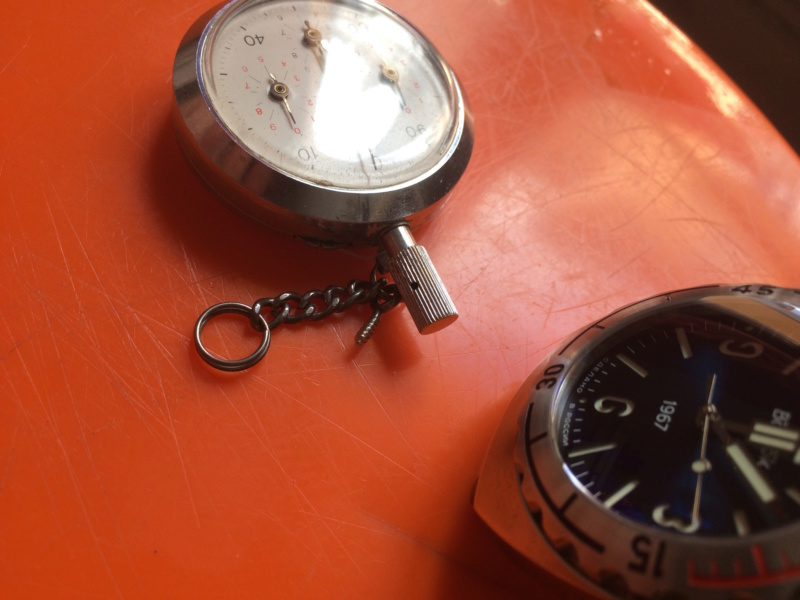 Nos montres avec un objet russe ou soviétique - Page 2 Img_2817