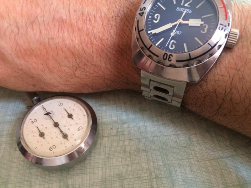 Nos montres avec un objet russe ou soviétique - Page 2 Img_2821