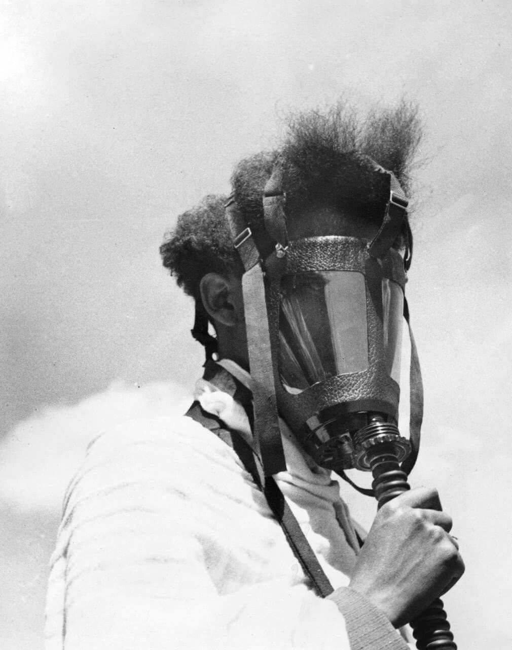 Des masques a gaz 12553010