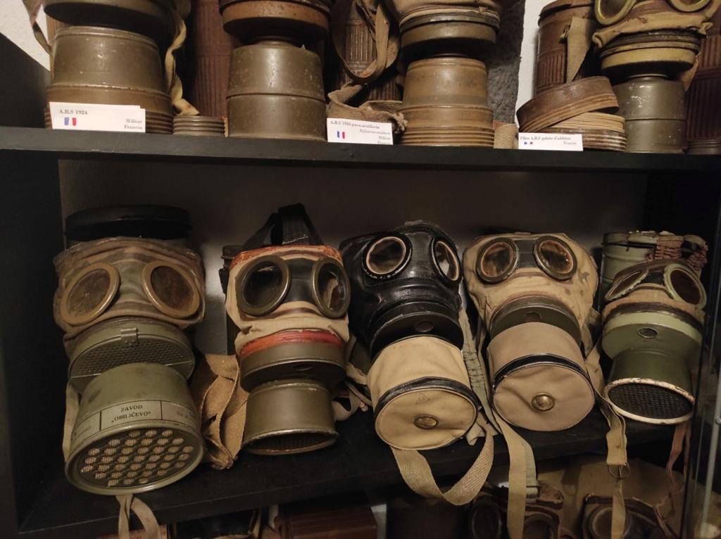 Des masques a gaz D6c6d810