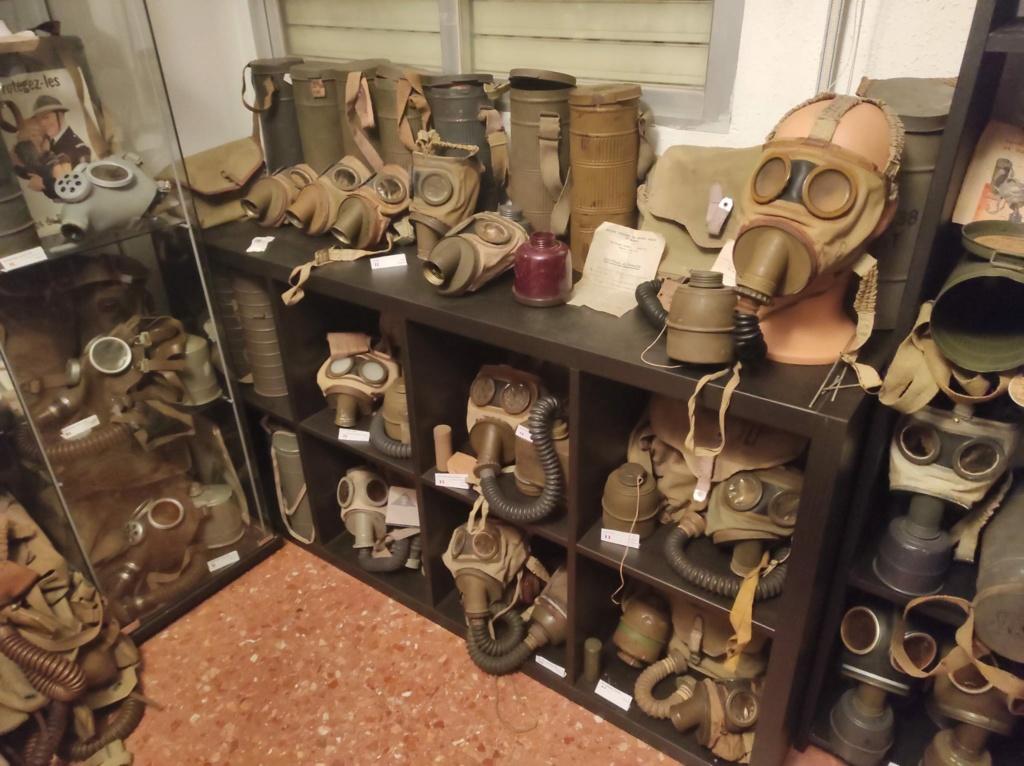Des masques a gaz E8f4ee10