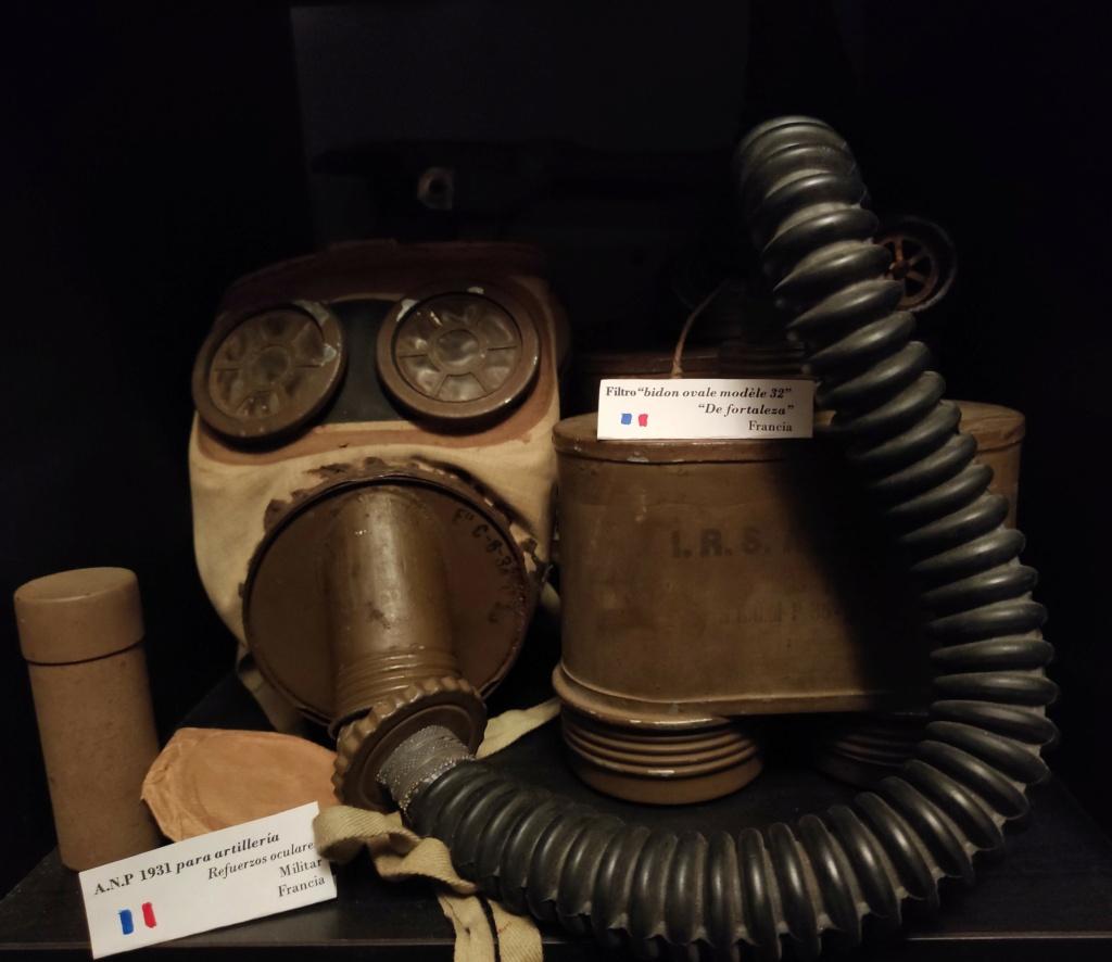 Des masques a gaz Img_2033