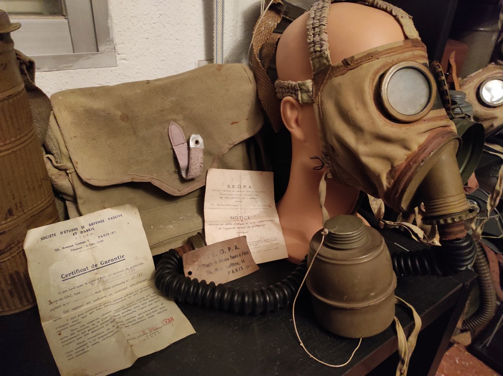 Des masques a gaz Img_2040