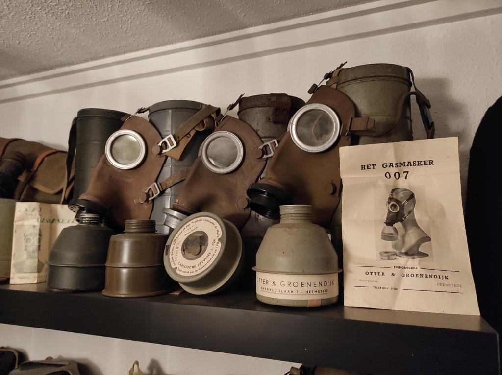 Des masques a gaz Img_2052