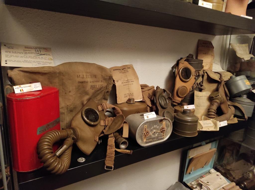 Des masques a gaz Img_2057