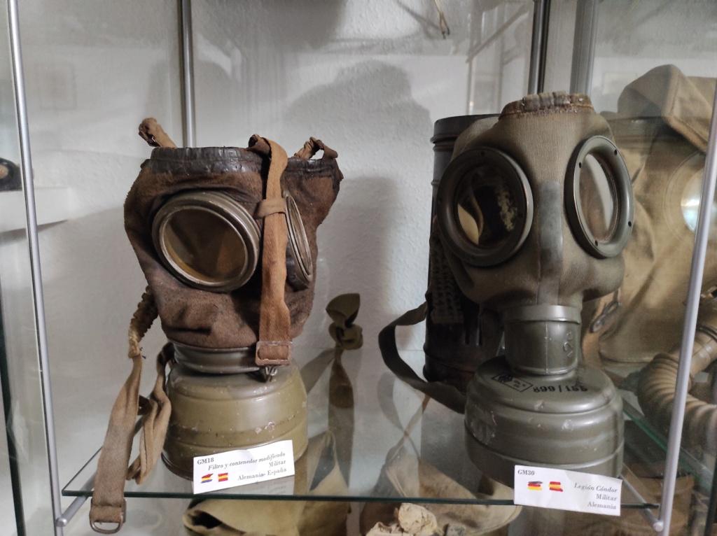 Des masques a gaz Img_2078