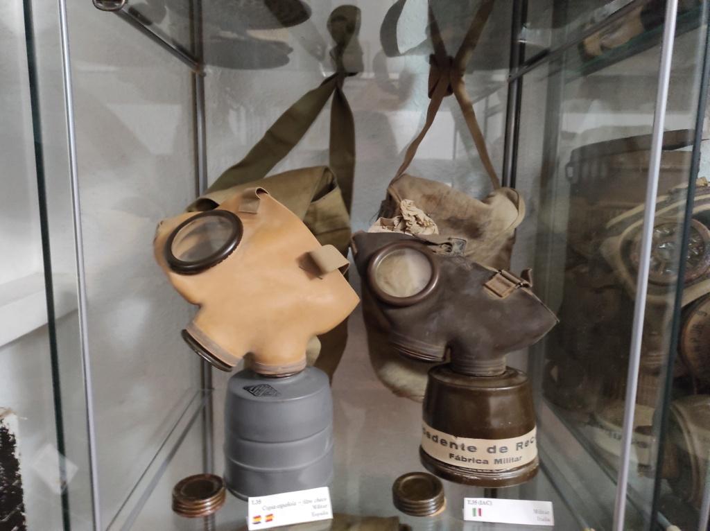 Des masques a gaz Img_2079