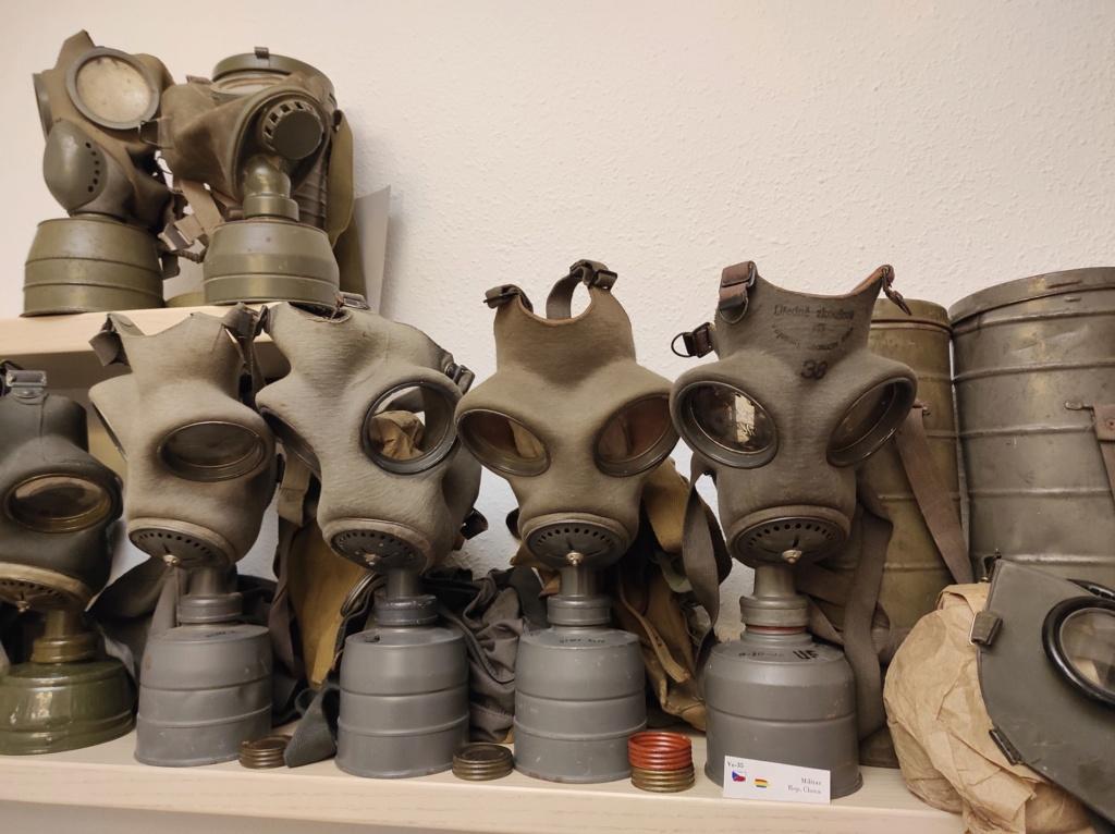 Des masques a gaz Img_2092