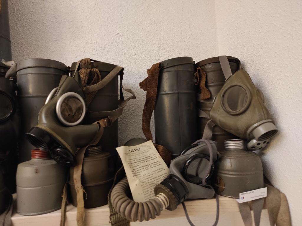 Des masques a gaz Img_2094