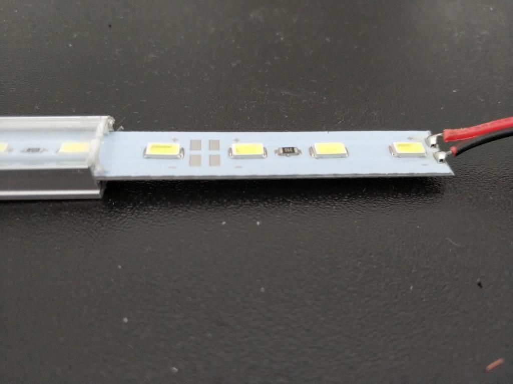 [Brico Astra K] Instalación barras LED en maletero 2ª Parte Img_2029