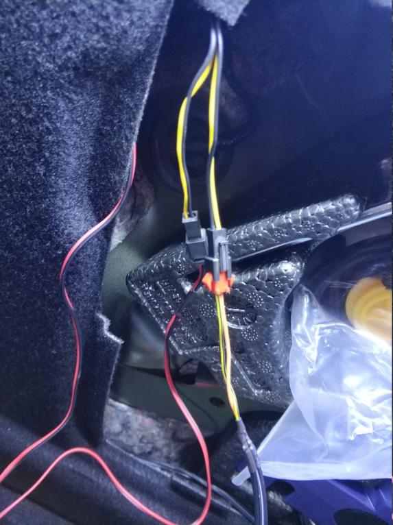 [Brico Astra K] Instalación barras LED en maletero 2ª Parte Img_2035