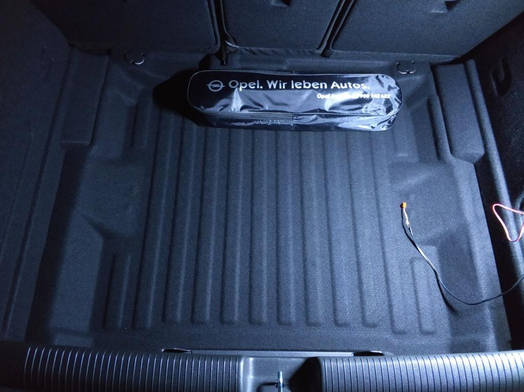 [Brico Astra K] Instalación barras LED en maletero 2ª Parte Img_2038