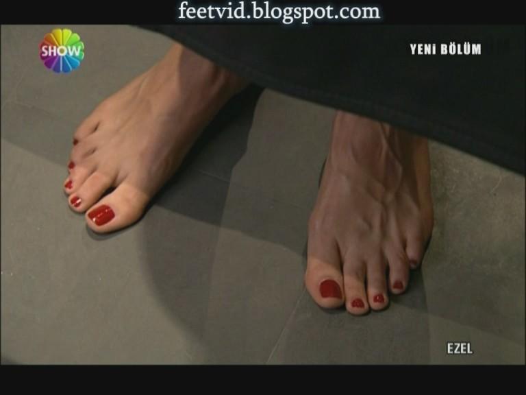 votre top 5 des plus beaux pieds  Cansu-10