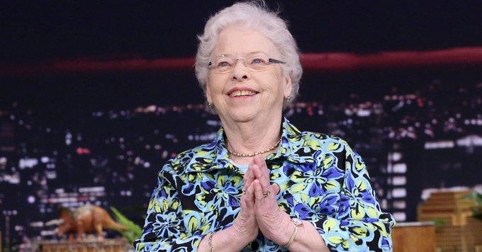 RIP Joanne Rogers Tb7aub10