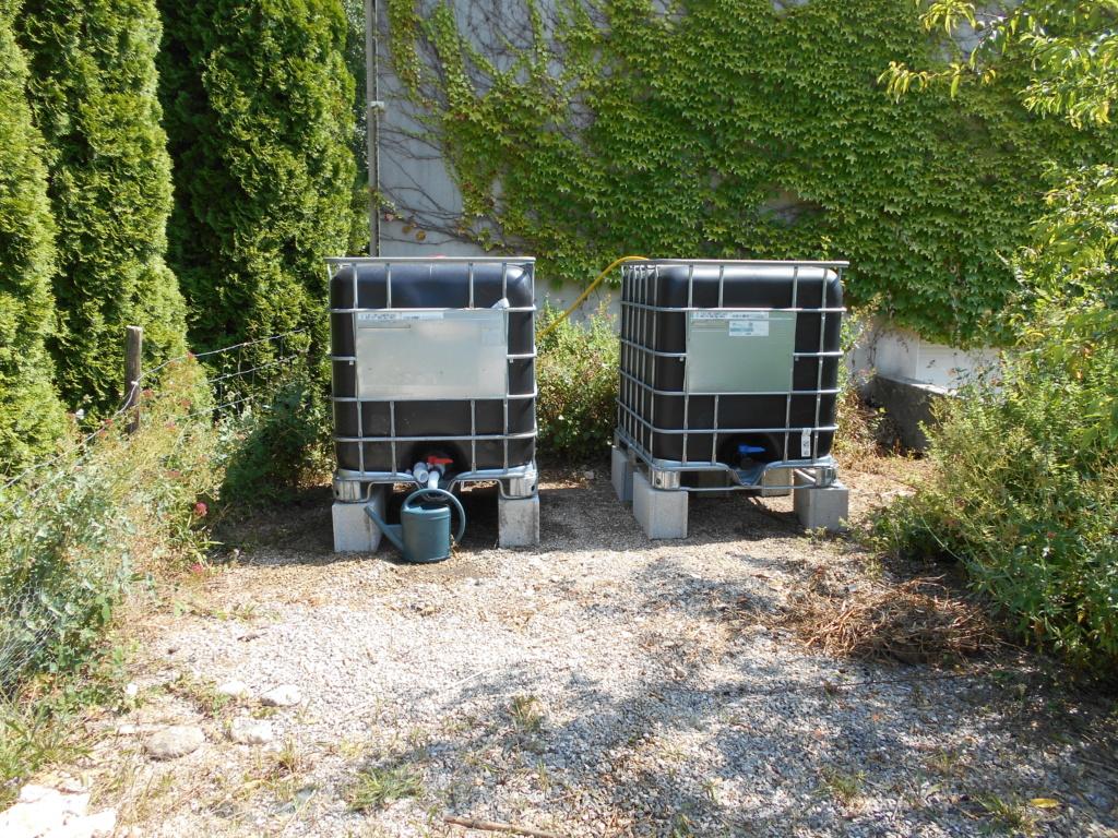 Cuve 1000 litres (récupération eau de pluie) - Page 3 Dscn4012