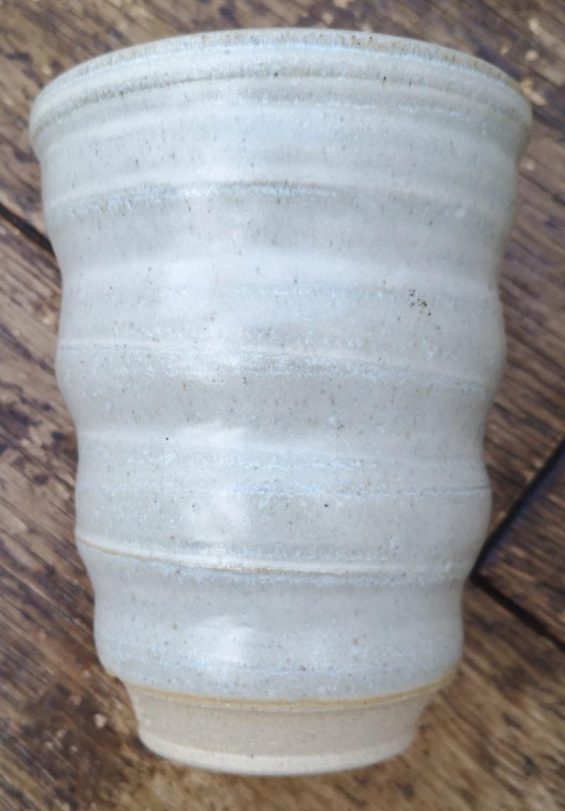 Grey vase, Poty? Pary? Perg ???? Img_2072