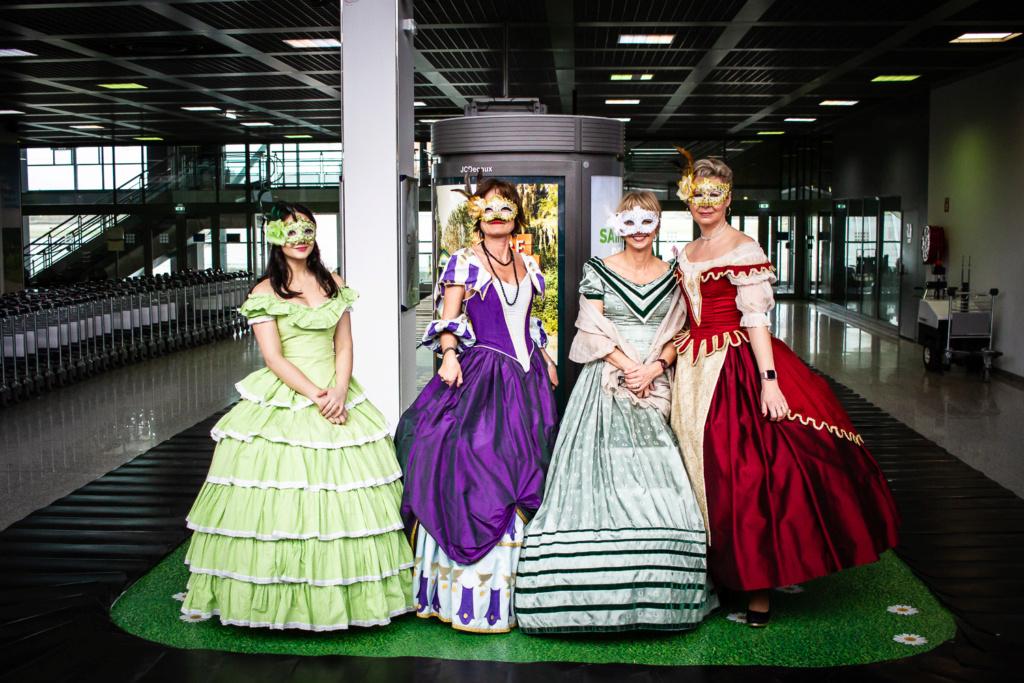 Mardi Gras à l'aéroport 05032010
