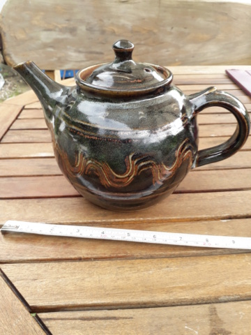 Is this a Winchcombe teapot? 20200839
