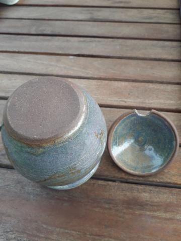 Honey pot- nice blue glaze with orange detail. No marks 20200843