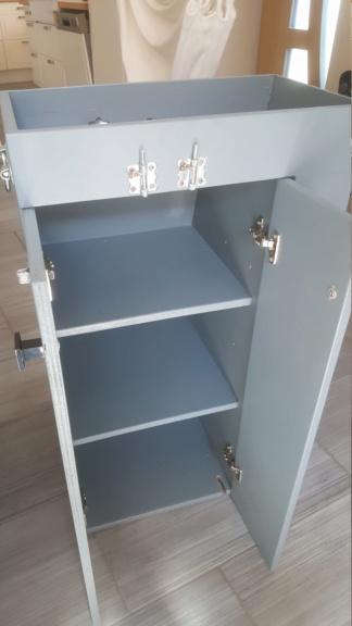 A vendre meuble fait maison à placer derrière siège passager 0313