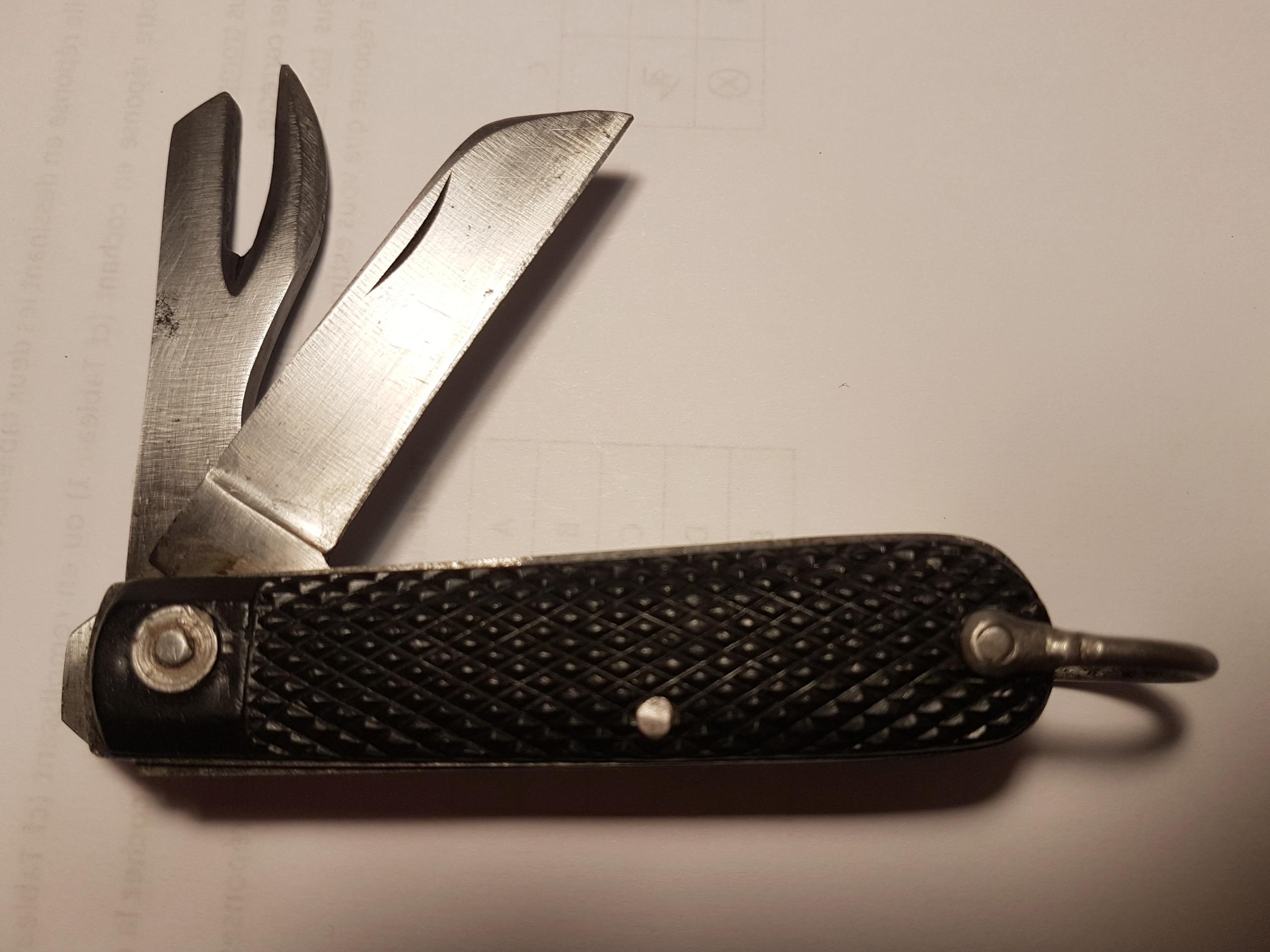"""Les """"jack knives"""", couteaux pliants du Tommy - Page 2 20200136"""