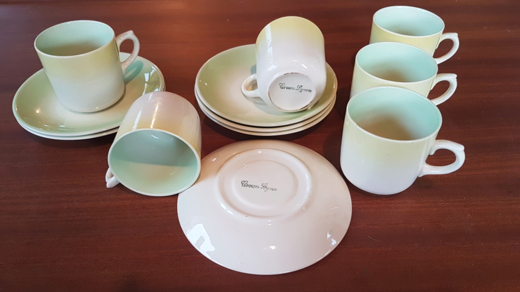 Crown Lynn demitasse cups and saucers  20200811
