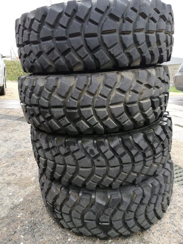 Je vends 4 pneus 215/75/15 pour 150 euros Img_2011
