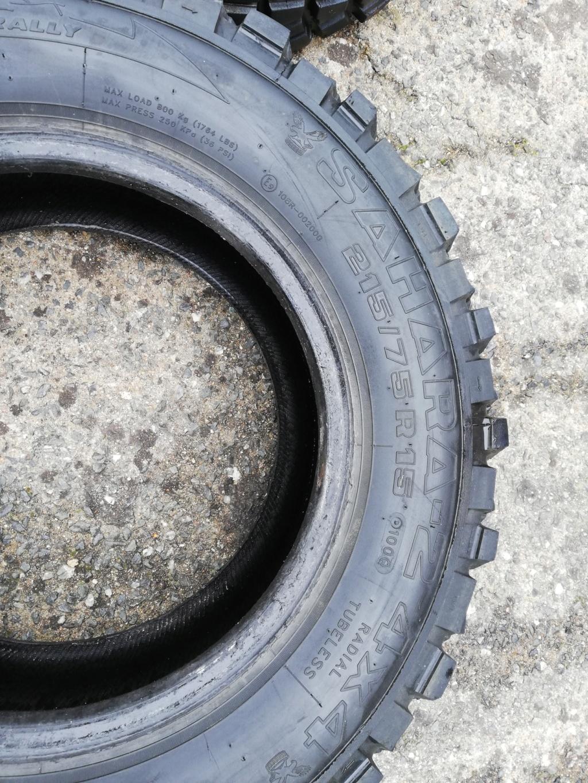 Je vends 4 pneus 215/75/15 pour 150 euros Img_2012