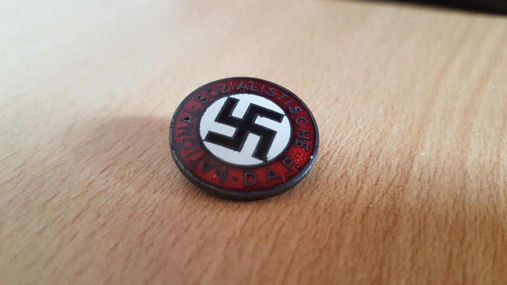 Authentification et estimation badge du NSDAP 20210817