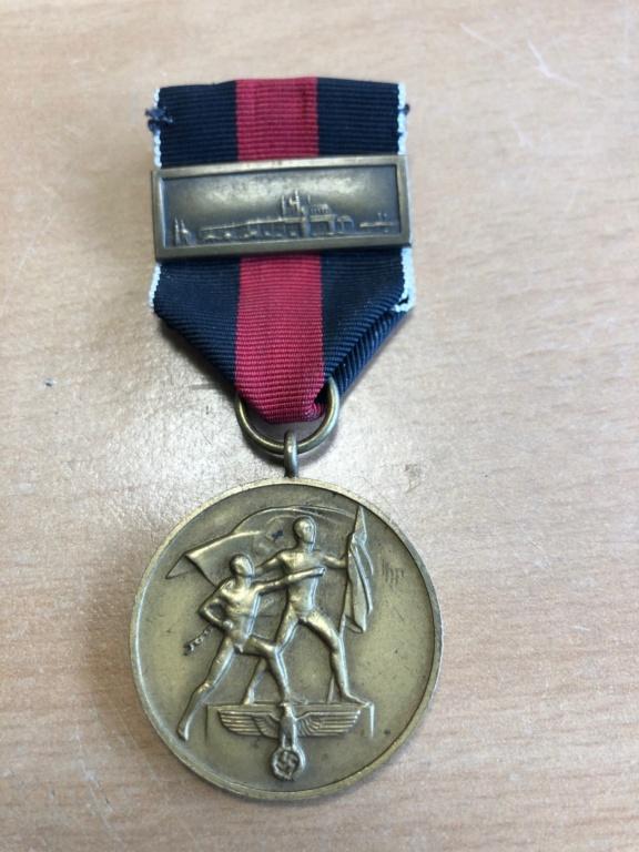 Médaille 1 October 1938 avec agrafe Prager Burg Image010
