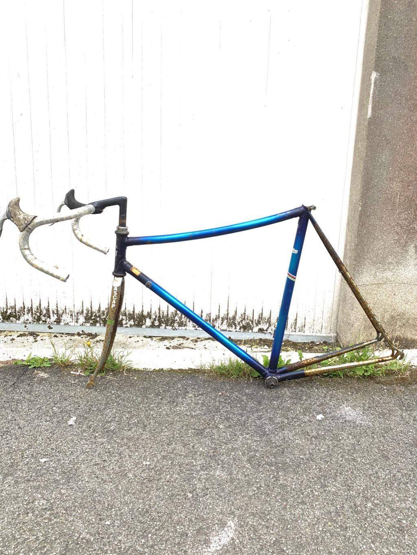 Vélo de piste plongeant C71f1b10