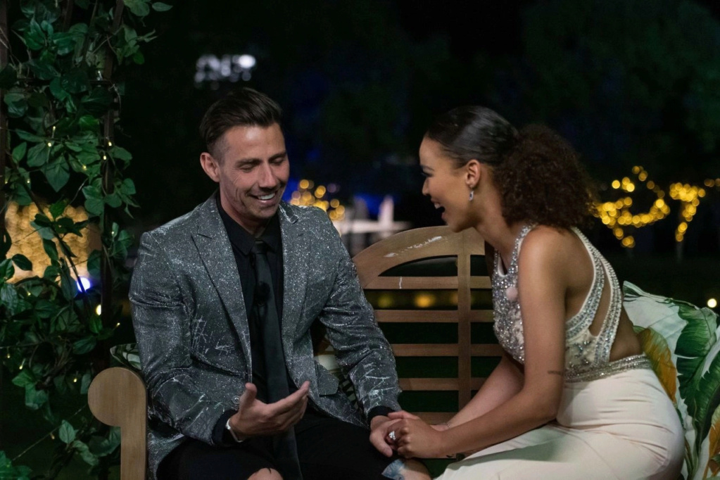 Bachelorette South Africa - Qiniso Van Damme - S/Caps - Media - Vids - NO Discussion - *Sleuthing Spoilers* 16147821
