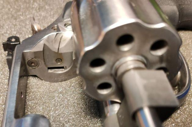 SOLD S&W 617 Revolver 22LR Img_2036