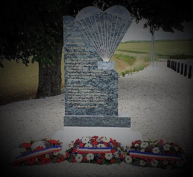 Monument à VANDIERES 51  10274410