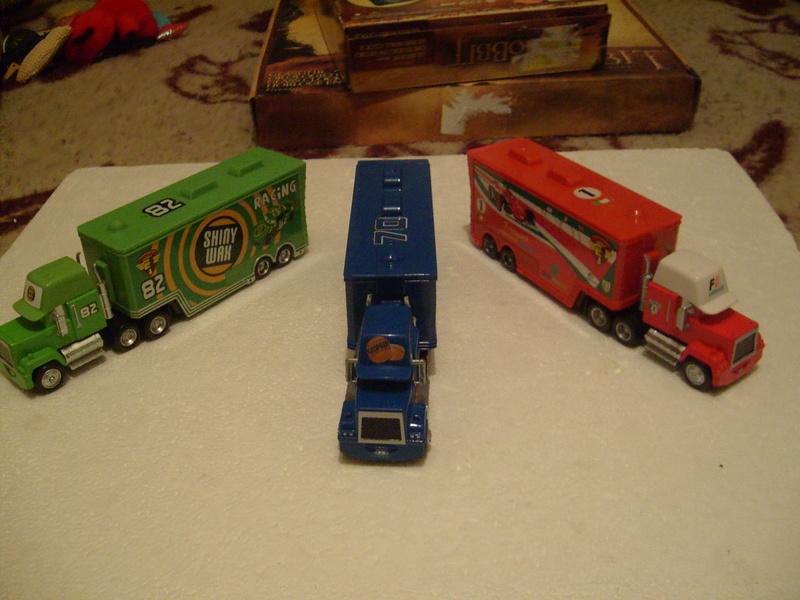 mes autres Cars 1 , 2 , 3 et Planes !!! toutes marques et matieres - Page 16 S7309445