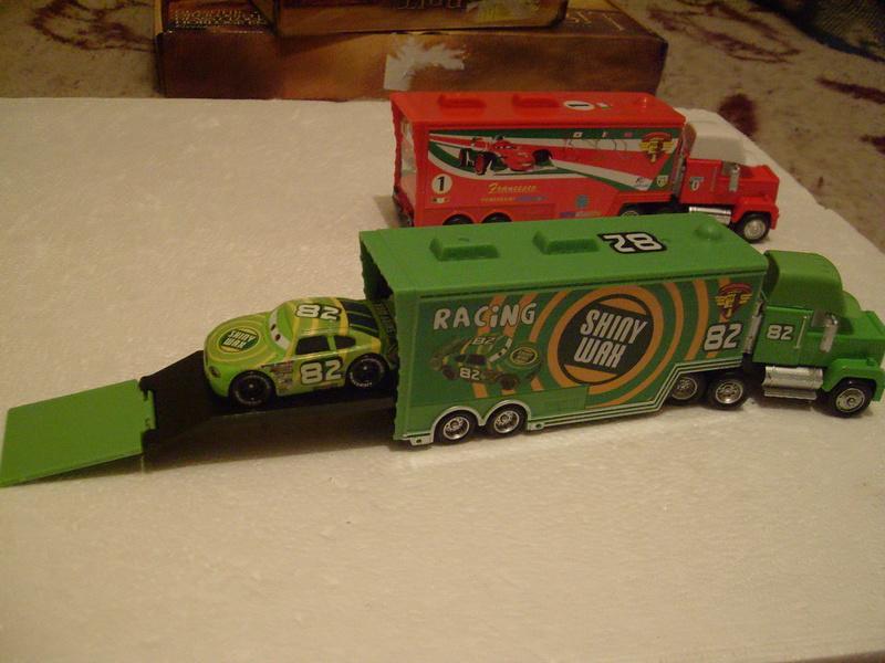 mes autres Cars 1 , 2 , 3 et Planes !!! toutes marques et matieres - Page 16 S7309449